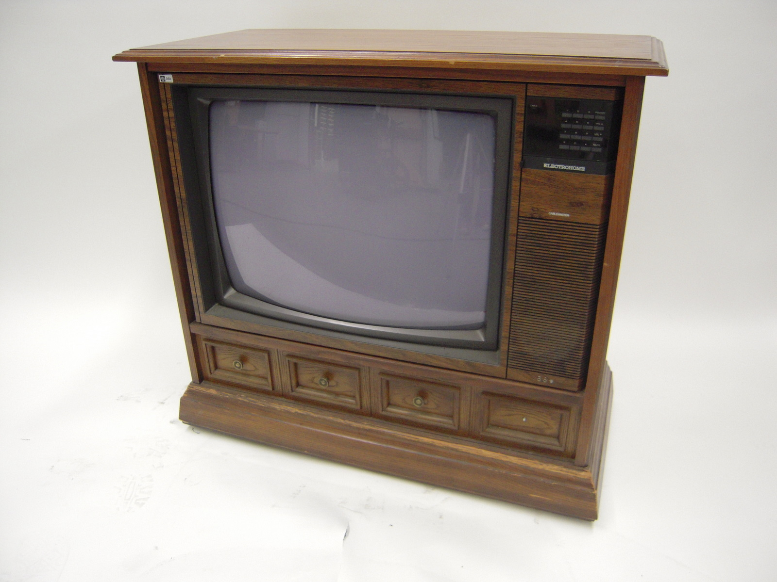 television console cake ideas and designs